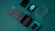 Fitbit Surge Packaging